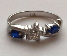 14 K WHITE GOLD BLUE SAPPHIRE RING WITH CUBIC ZIRCON STONES