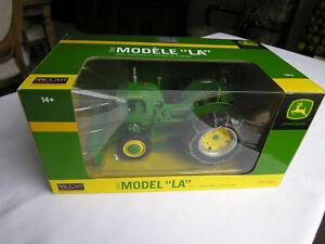 "SpecCast  # JDM 229  JOHN DEERE  1942 MODEL ""LA"" w/CHAINS and SNOW BLADE  1/16"