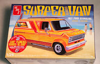 AMT 1977 Ford Surfer Van 1:25 scale model car kit new 1229