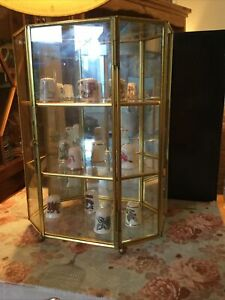 Vintage Mirrored Glass & Brass Shelved Trinket / Curios Display Case / Cabinet