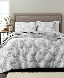 Martha Stewart Collection Gramercy Gate Reversible Embroid Ogee Quilt FULL QUEEN