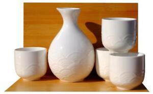 White Textured Wave Sake Set 4 cups