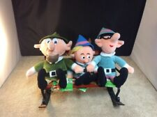 3 Elfs On A Park Bench Holiday Collectable