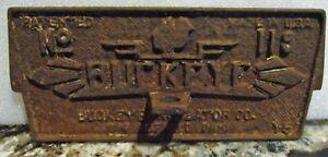 "BUCKEYE ANTIQUE CAST IRON INCUBATOR DOOR PLAQUE PLATE W/ BABY CHICK 10"" X 4 1/4"""