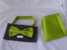 New MOSS Green Polyester Mens Pre-tied Bow Tie and Hankie Set P&P 2UK 1st Class