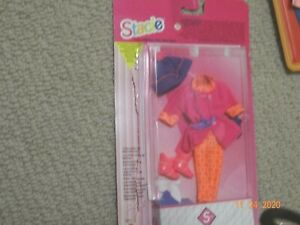 Barbie/Stacie outfit, easy to dress,foreign, 5 languages,snow outfit,one seam o