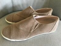 44958dbbd241 Women s Aerin Light Brown Suede Leather Gold Stud Sneaker Shoes Sz 7.5 M