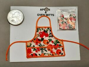 Dollhouse Miniatures - Apron with pot holder mitts