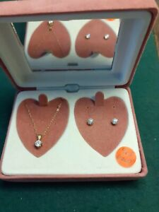 9CT GOLD CUBIC ZIRCONIA NECKLACE AND EARRINGS BOXED