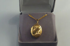 9ct gold oval locket, 50cm curb chain, 7.5 gms, New