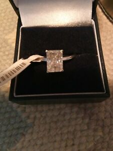 2CT DIAMOND SOLITAIRE RING WHITE GOLD RADIANT CUT Not Princess cut, Real Diamond