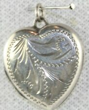 VINTAGE 1970'S UK ENGLISH STERLING SILVER HAND ETCHED HEART LOCKET ENGLAND