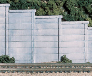 Woodland Scenics C1258 HO Concrete Retaining Walls (Three Sections)