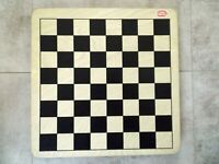 CHAD VALLEY WOODEN CHESS SET,ALL WOOD PIECES,NEW, 280 X 280mm,30 X 30mmSQUARES
