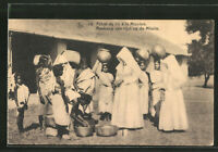 Nonnen bei Ankauf von Reis in Indien, Ansichtskarte