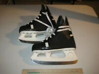 Chicago Ice Hockey Skates Youth Size 3/35 Size 7?