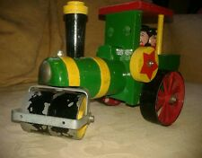 VintageTraditional Wooden steam roller traction engine