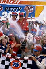 MOTOR RACING OLD PHOTO Richard Petty - 200th Win at Daytona 1984