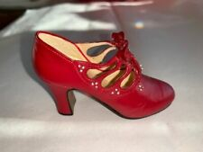 Raine Willitts 2000 Just The Right Shoe Charisma Item 25419 Red Miniature Orname