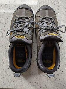 KEEN Targhee 2 Low Height Size 11.5-M US Walking Shoes - Gargoyle/Midnight Navy