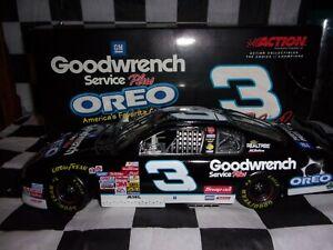 Dale Earnhardt Sr #3 Oreo/Goodwrench Service Plus 2001 Monte Carlo 1:18 scale