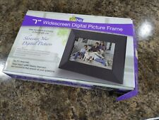 """GiiNii Digital Picture Frame 7"""" Widescreen Supports 6 Different Memory Cards"""