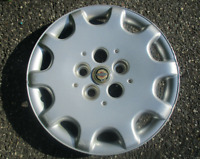 One factory center cap for 1991 1992 Buick Roadmaster 15 inch wire spoke hubcap