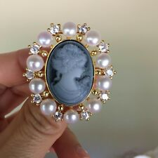 Amazing white freshwater pearl lovely lady Crystal  Brooch/pendant #35