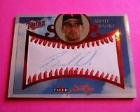 2004 Fleer Sweet Sigs BRAD RADKE AUTOGRAPH TWINS Red #d 17/100 game ball Auto,