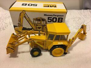 Conrad #2951 Massey Ferguson 50B Digger - Scale 1:35 - Die Cast Boxed - Rare!!