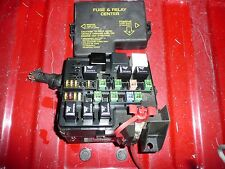 01 02 03 STRATUS/SEBRING with 2.7 engine FUSE BOX ENGINE