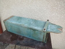 Ancien coffre boite caisse rangement bois grange ferme chalet montagne
