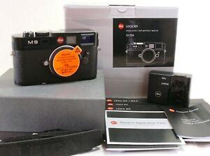 Leica M9 black paint digital camera body 10704 boxed. SOME MARKS ON SENSOR