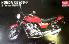 ACADEMY KIT IN PLASTICA 1:8 MOTO HONDA CB900 - F   SUPER DELUXE  ART 1546