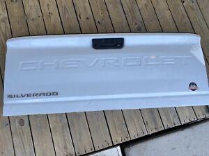 2019/2020 CHEVY SILVERADO 2500 & 3500HD E-Z LIFT TAILGATE Push Button W Rear CAM