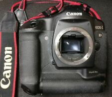 Canon EOS 1D Mark IIN 8.2MP Pro SLR corps, batterie et chargeur N TVA