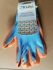 Kids gloves, children's gardening gloves, briers gloves, child activity gloves.