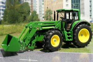 Siku 3652 - Diecast  John Deere 6820 Tractor with Front Loader - 1:32 Scale