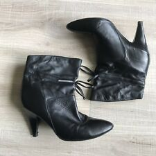 GUESS Black Leather Pull On Ankle High Heel Booties Boots Size 7 Bow