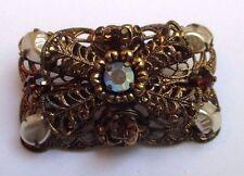broche ancienne bijou vintage couleur vieil or cristaux rubis perles  3364