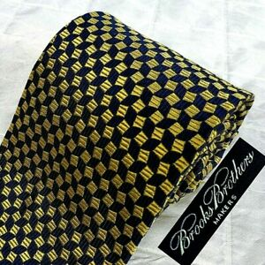 BROOKS BROTHERS Made USA Woven Italy Silk Tie Gold & Dk Blue OP ART Geometric