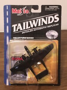 BRAND NEW MAISTO TAILWINDS P-61 BLACK WIDOW FIGHTER JET WITH STAND