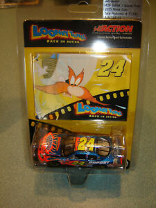 Jeff Gordon #24 DUPONT / LOONEY TUNES 2003 Chevy 1:64 Action Hood Open NEW