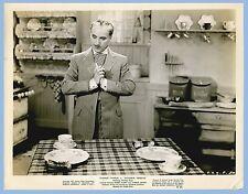 VINTAGE - MONSIEUR VERDOUX - CHAPLIN AT TABLE  ORIGINAL MOVIE PRESS PHOTO - 1947
