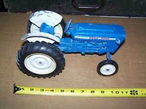 FORD TOY TRACTOR 4000 FORD ERTL MADE IN USA