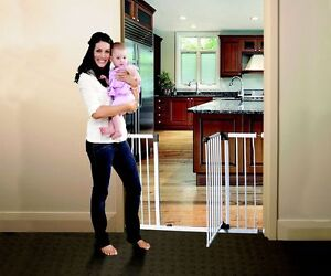 *NEW Dreambaby Xtra liberty wide stay open security gate child toddler safety