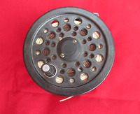Vintage Shakespeare Company Glider Salmon Trout Fly Fishing Reel. With Line