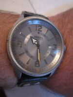 FOSSIL WATCH - STAINLESS STEEL - 100 METERS - 10 ATM - WORKS GREAT - THICK CASE