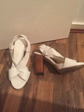 Gorgeous White Leather Sandals Carvela Size 6 Immaculate