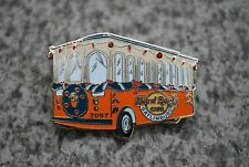 HARD ROCK CAFE GATLINBURG 2007 LIMITED TO 300 ONLY CHRISTMAS TROLLEY BUS PIN